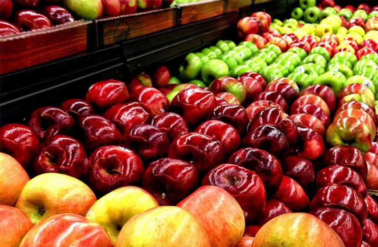 На Львівщині у вантажівці з яблуками вия…