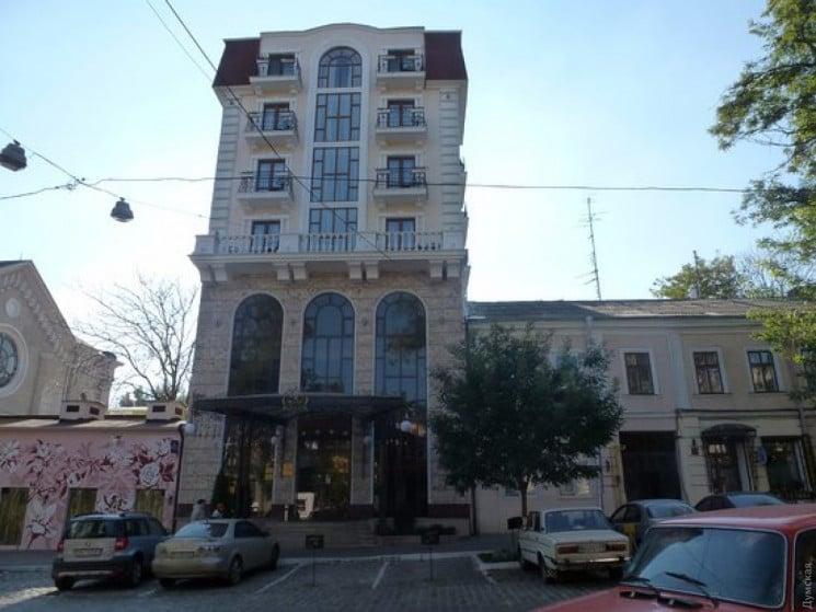 Отель в центре Одессы отказывается засел…