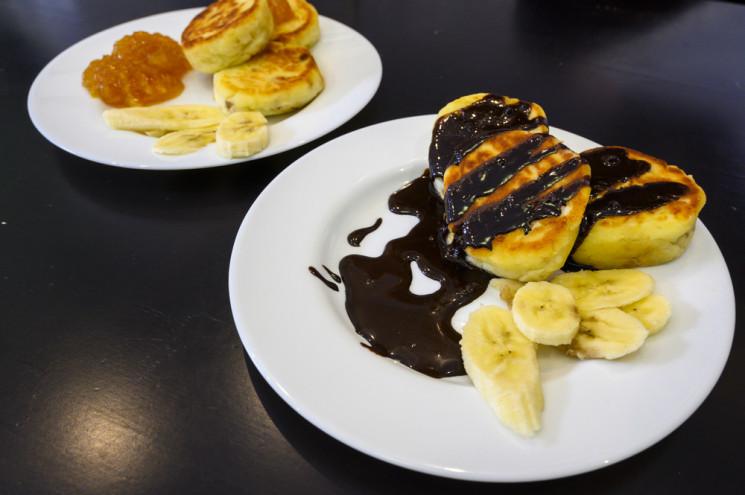 Зображення  — Depo.КУХНЯ: Готовим банановые сырники с крем-чизом