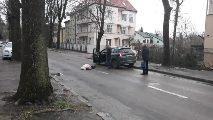 У Львові автомобіль збив жінку (ФОТО)…