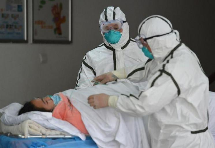 Коронавірус убив 425 людей у Китаї, хвор…