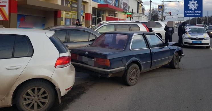В Харькове пьяный водитель BMW протарани…