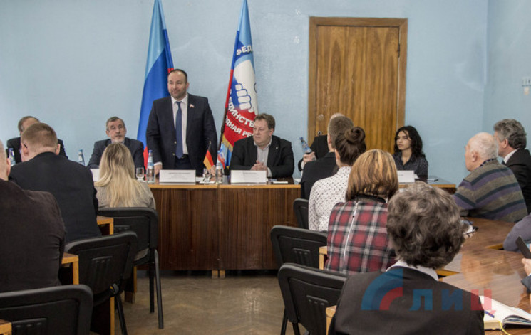 Бізнес з бойовиками: Окупований Луганськ…