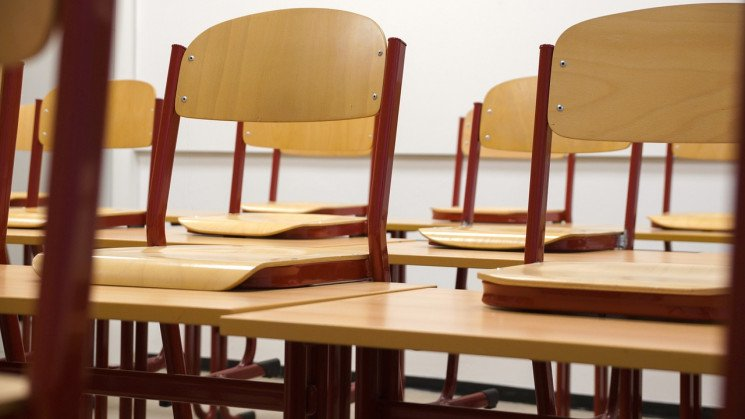 Количество школ, закрытых на карантин в…