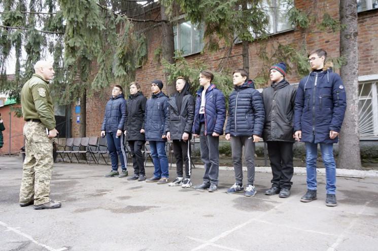 Уже 300 юношей: На Харьковщине увеличило…