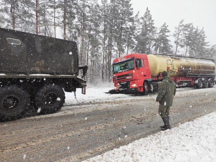 Нацгвардійці показали, як рятують вантаж…