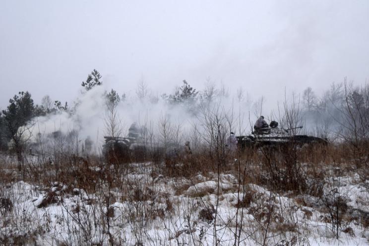 Боевики стреляют запрещенными минами и р…