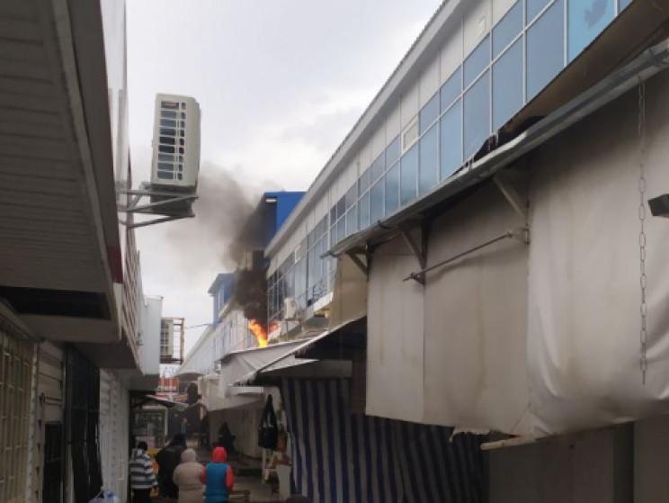 У Кропивницькому спалахнув торгівельний…