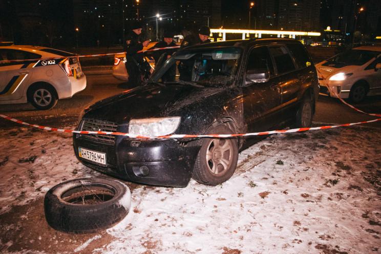 В Киеве пьяные молодые люди на авто с до…
