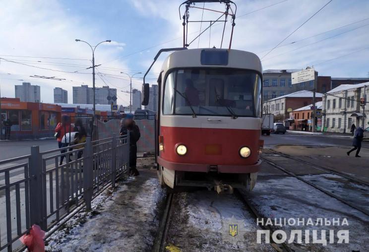 У Харкові трамвай збив жінку на пішохідн…