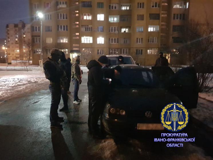 На Прикарпатье задержали взяточника-реци…