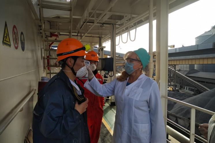В Одесском порту экипажи кораблей провер…