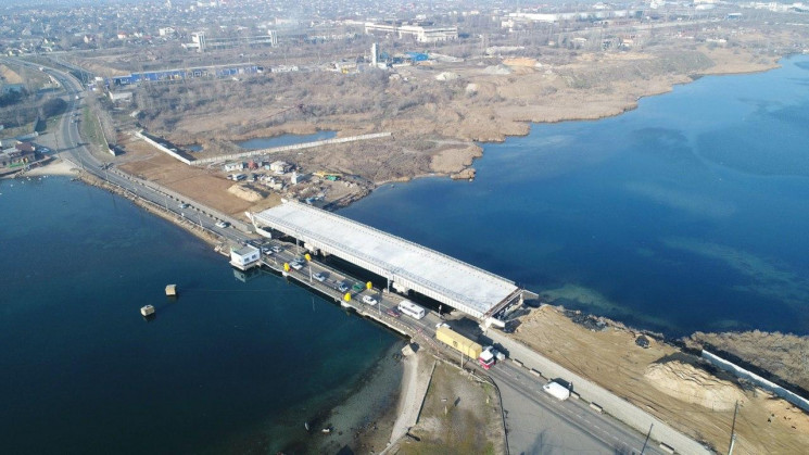 Мост по дороге в Черноморск оказался не…