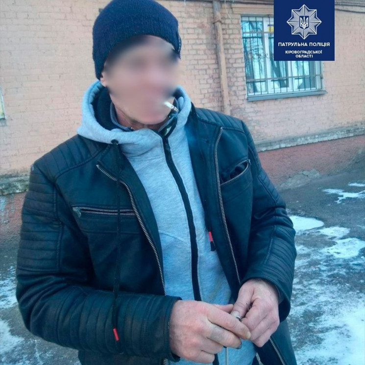 У Кропивницькому крадій виніс меблі з су…