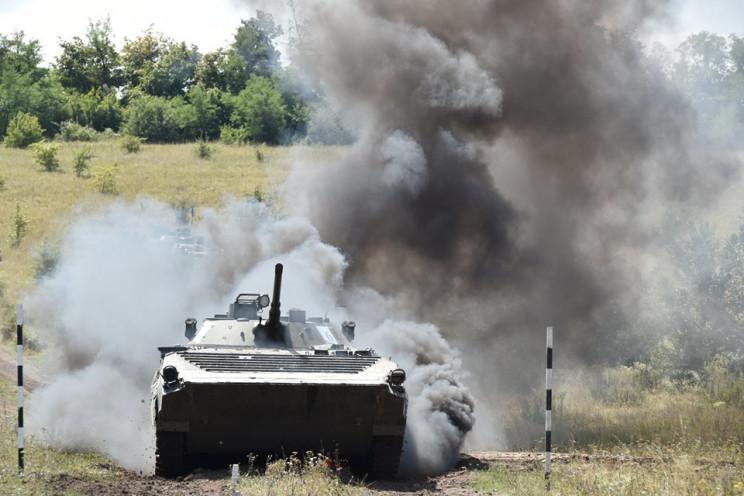 Боевики на Донбассе опять стреляют из тя…