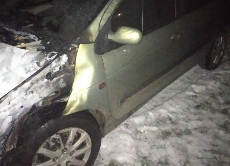 У Березнівському районі горіли автомобіл…