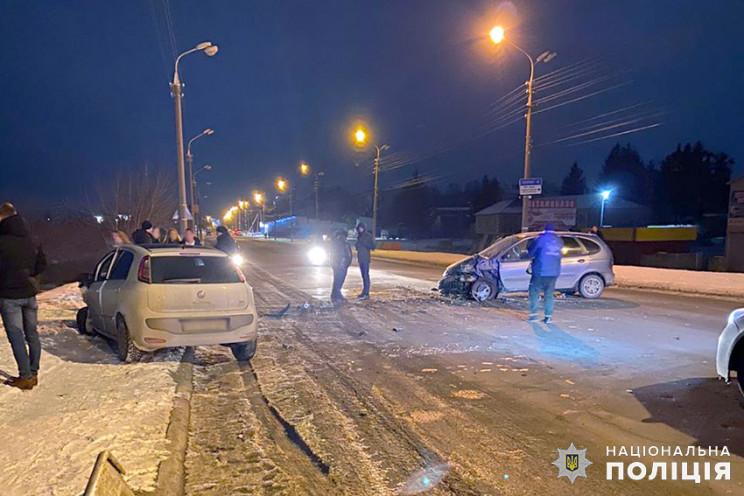 Троє людей травмувалися в нічній ДТП у Ш…