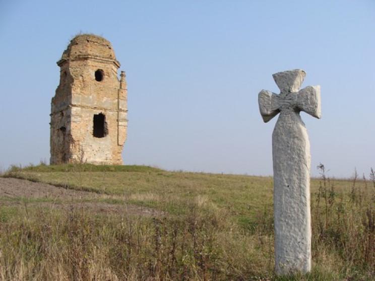 На Хмельниччині взялися рятувати вежу-ка…