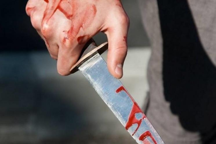 На Кропивниччині від ножового поранення…