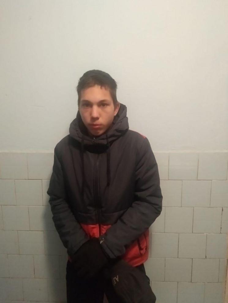 В Знаменке разыскивают 17-летнего парня…