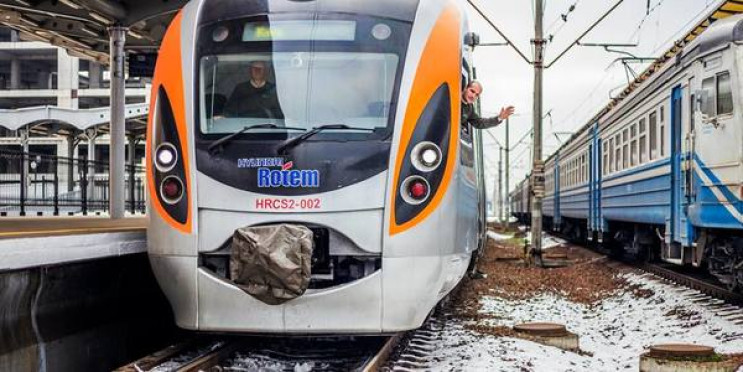 """""""Святкові"""" потяги: До 8 Березня курсуват…"""