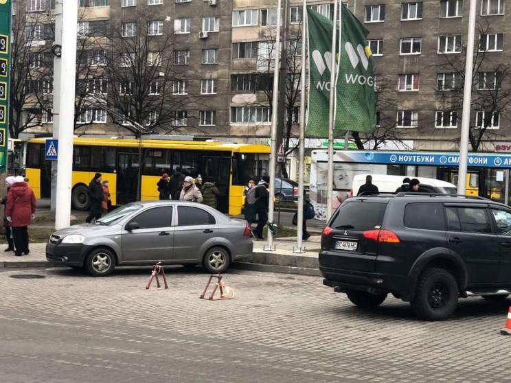 У Львові сталася ДТП (ФОТО)…