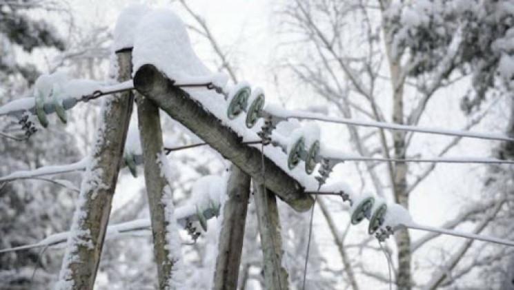 Через вітер та сніг на Сумщині біля 40 н…
