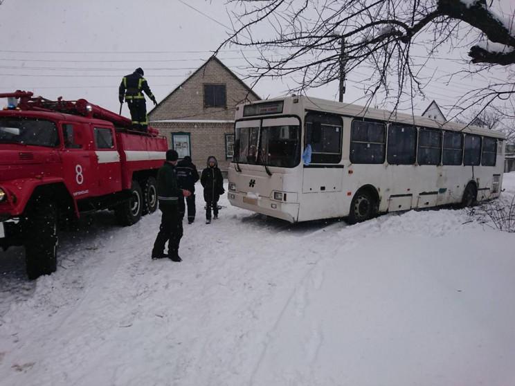У Кам'янському автобус повний пасажирів…