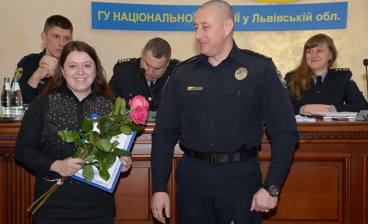 У Львові нагородили поліцейську, яка на…