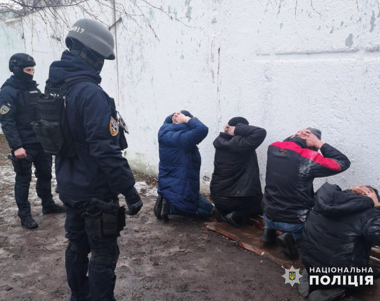 В Хмельницком задержали банду наркодельц…