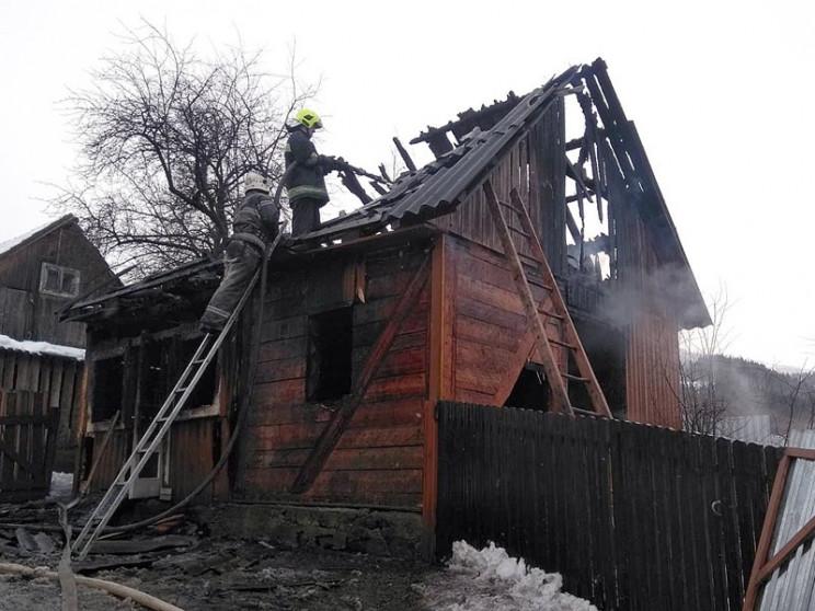 На Рахівщині в пожежі загинув 82-річний…
