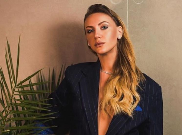 Відома українська телезірка стала співач…