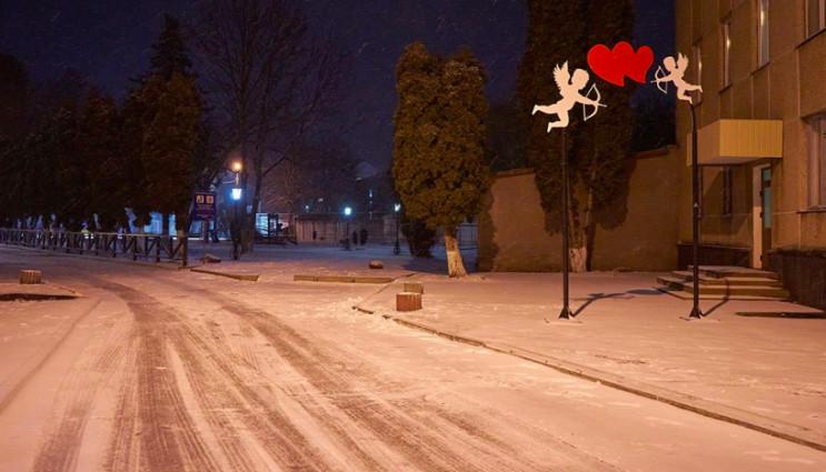 На вечір 14 лютого обіцяють сніжок на Хм…