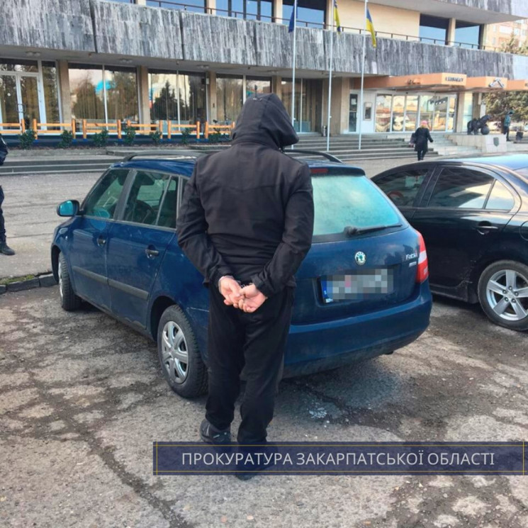 В Ужгороді правоохоронці знайшли в інозе…