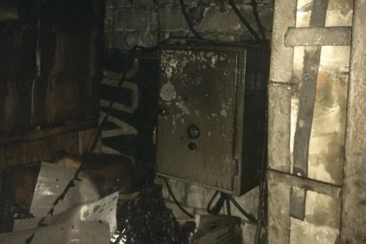 На Салтівці пожежні чотири години бороли…