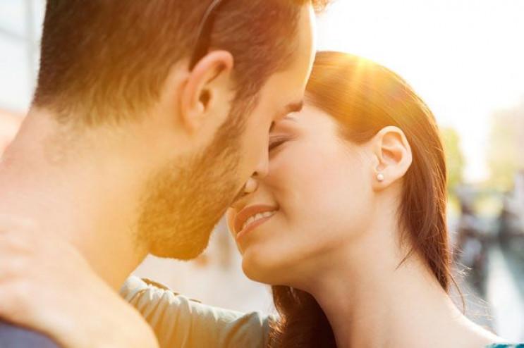 У Києві закохані цілуватимуться на рекор…