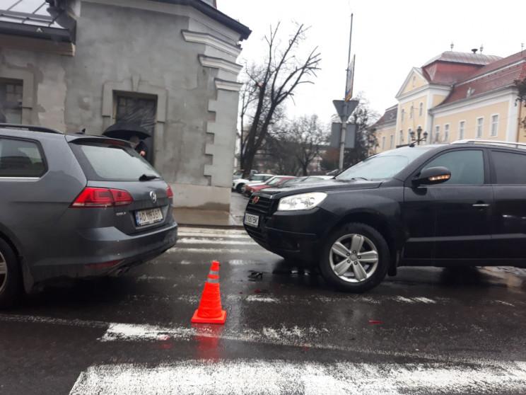 У центрі Ужгорода через ДТП ускладнено р…