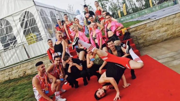 Танцоры из Кривого Рога из-за коронавиру…