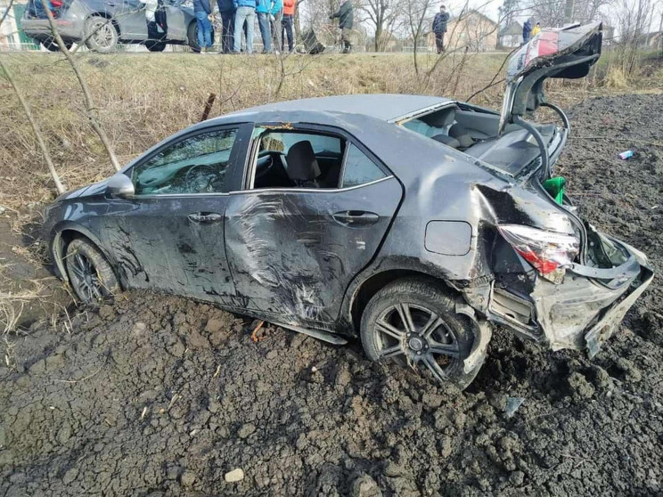 Біля Радехова автомобіль злетів з траси…