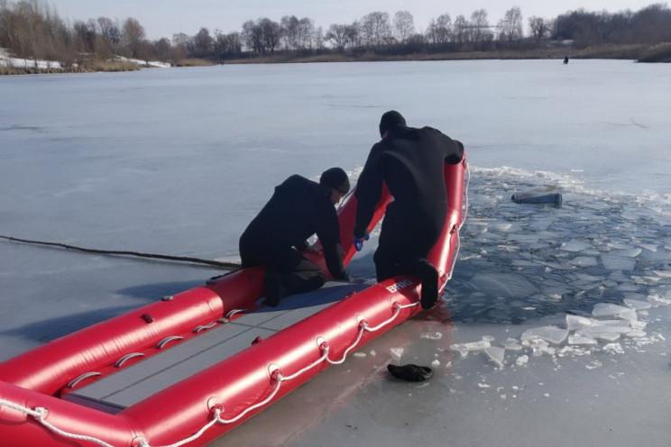 На Харьковщине провалился под лед и утон…
