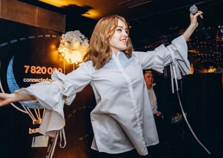 Известная украинская певица беременна в…