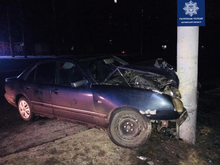 На проспекте в Харькове Mercedes въехал…