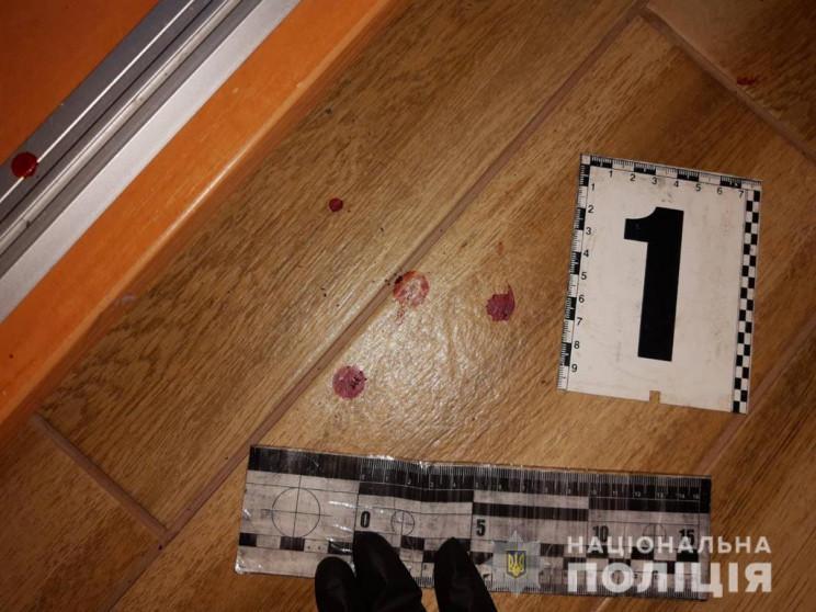 На Харківщині чоловік намагався шилом за…