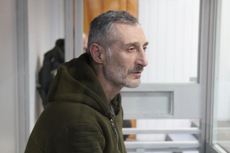Подозреваемый в поджоге дверей Харьковск…