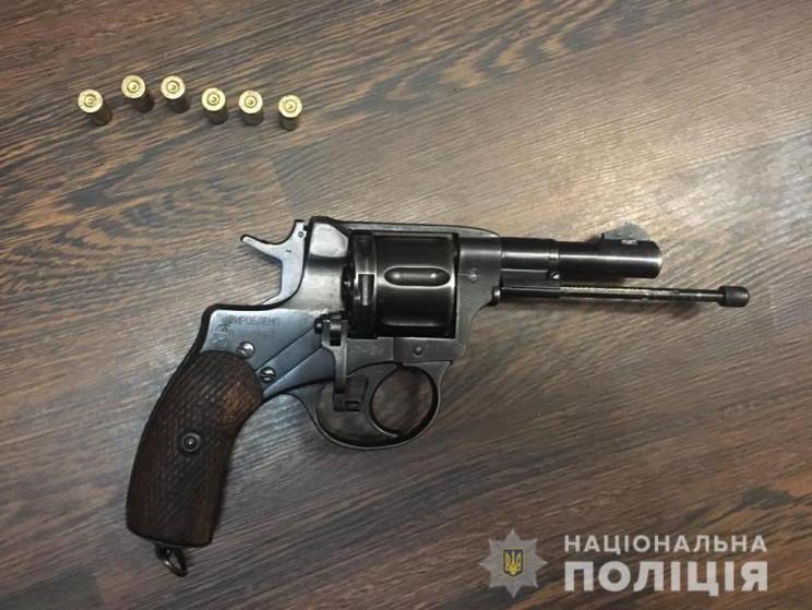 На Київщині молодик відкрив хаотичну стр…