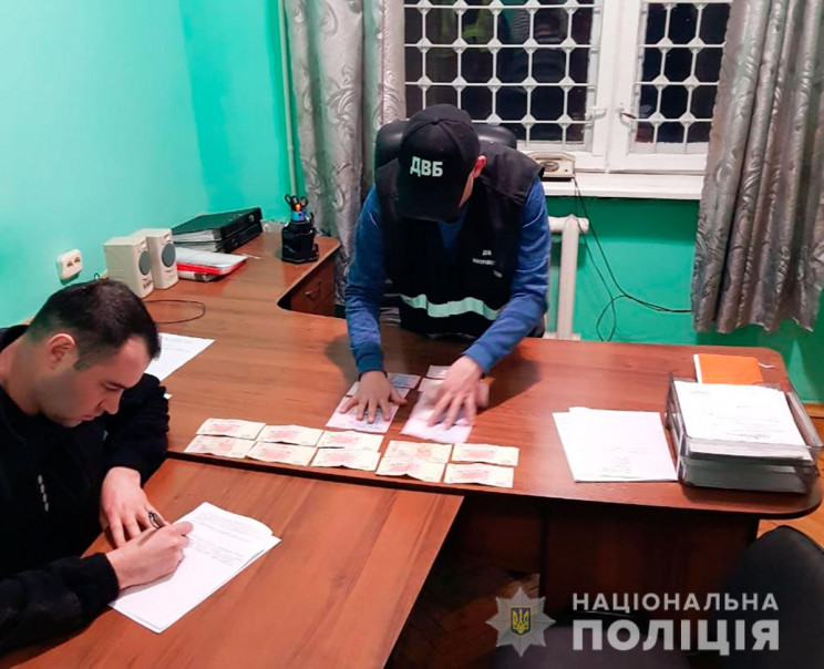 На Полтавщині іноземець намагався дати хабар поліцейському