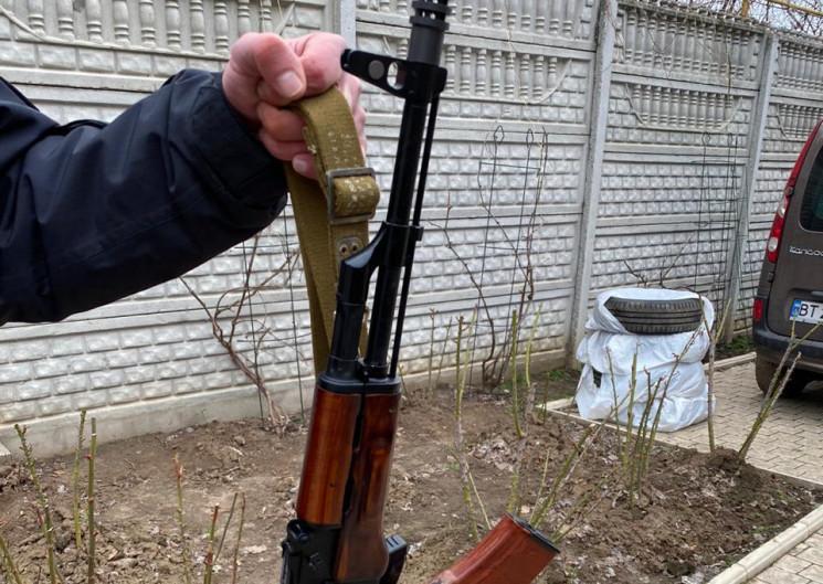 У Херсоні покупець влаштував стрілянину…