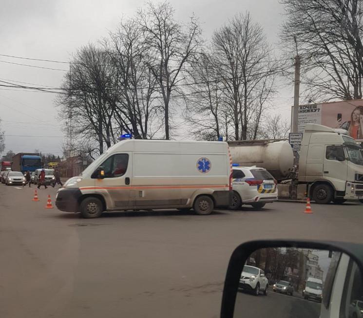 У Хмельницькому сталася чергова ДТП. Є т…