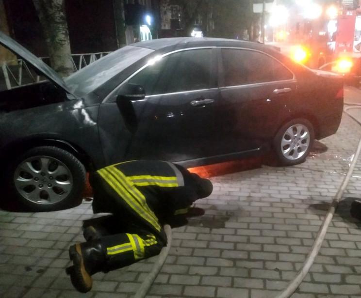 В Херсоне ночью вспыхнул автомобиль Hond…