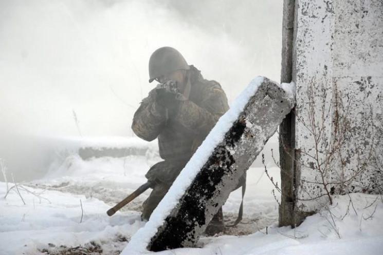Війна на Донбасі: Російські бойовики зно…
